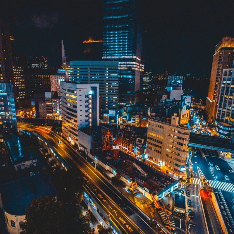 Ginza-district-Japan-skyscrapers-roads-night-lights_1920x1440