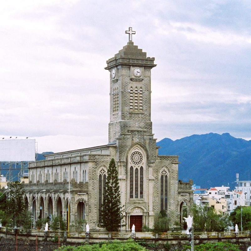 Steinkathedrale-Nha-Trang-1
