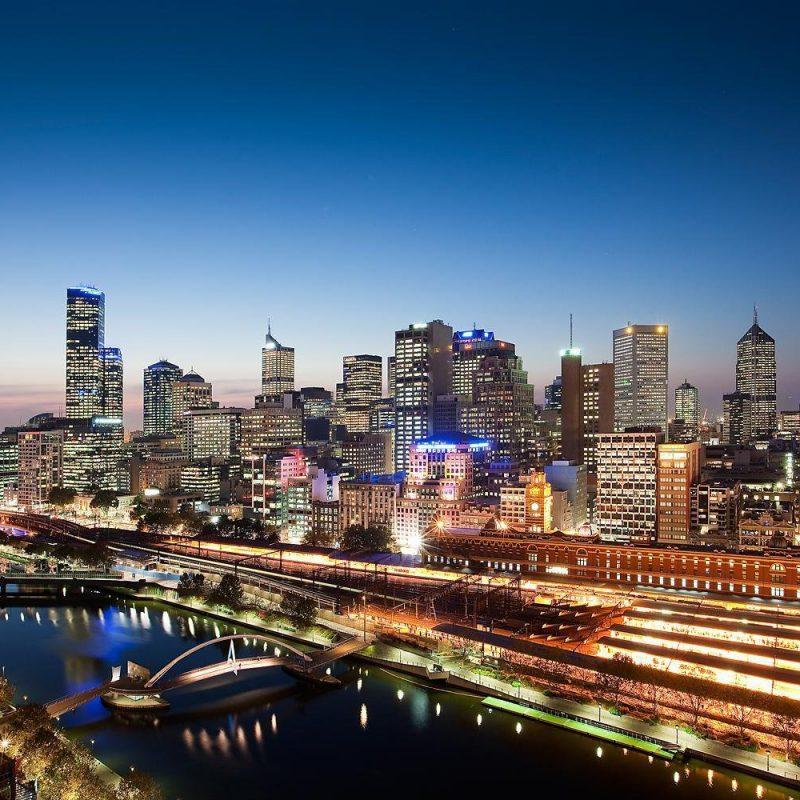 album965_1308813133_Quay_West_Suites_Melbourne_City_Views__4
