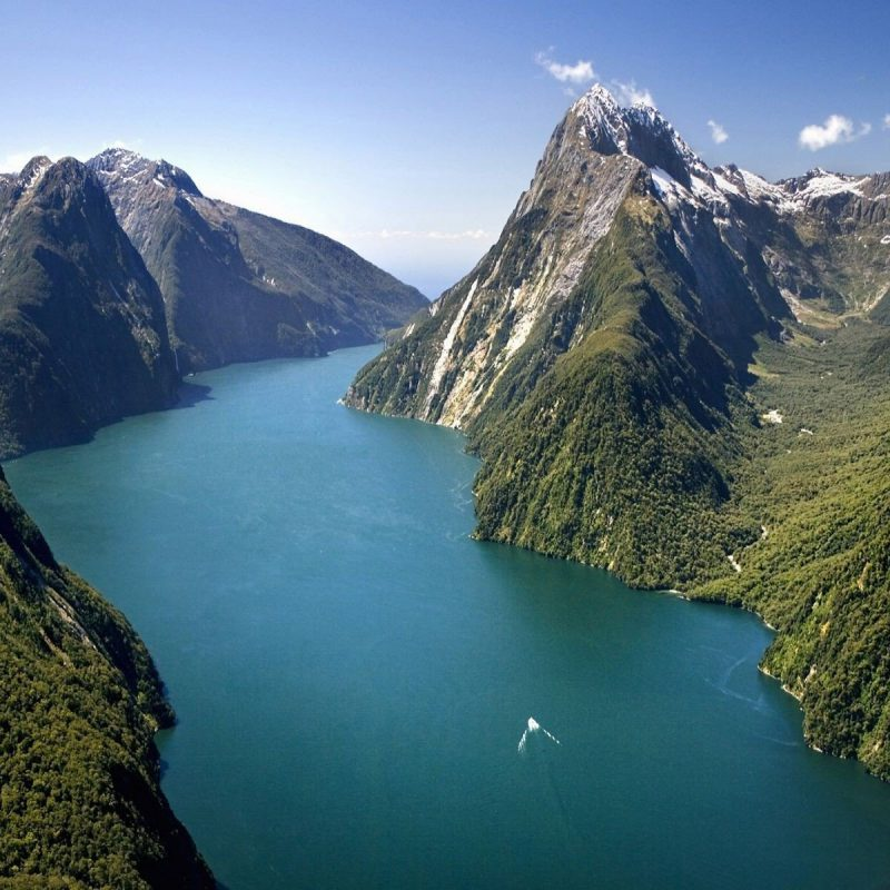 milford-sound-new-zealand-wallpaper-8448-full-size