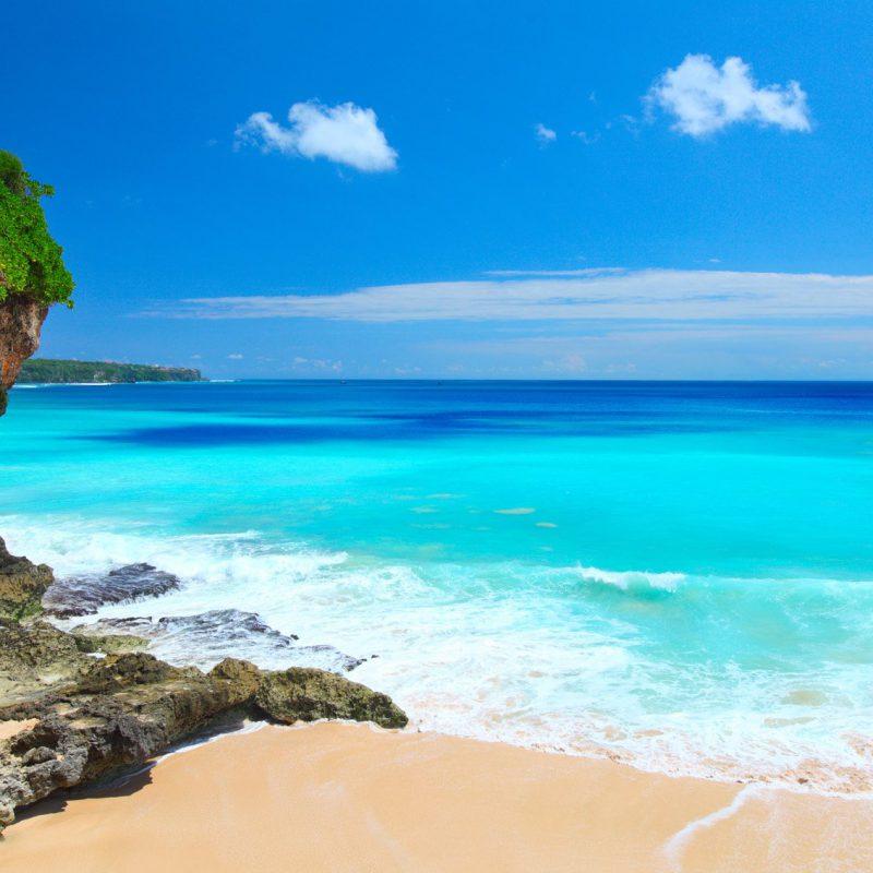 sandy-beach-in-bali-1434025903-W32O
