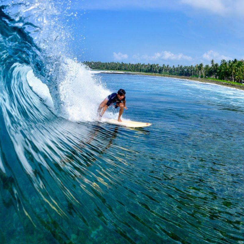 simeulue-surflodges-dylans-surf-the-peak-spot-banyak-nias-tello-island-indonesia-surf-west-sumatra-14